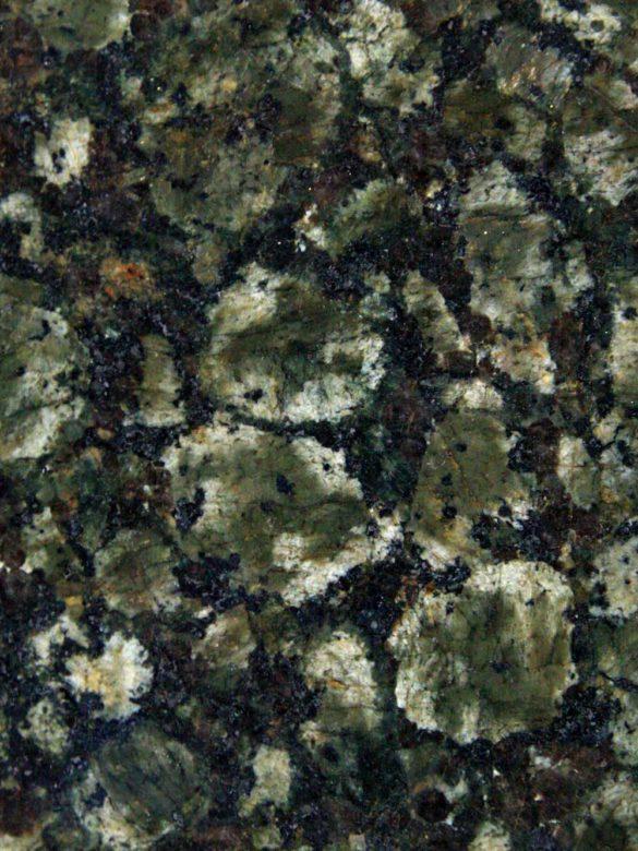 Образец зеленого гранита Балтик-Грин