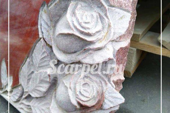 Памятник с розами из гранита на могилу